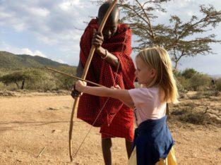 Initiatie pijl en boog bij de Masai in Kenia